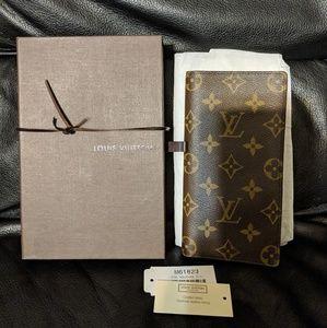 Louis Vuitton Credit card wallet